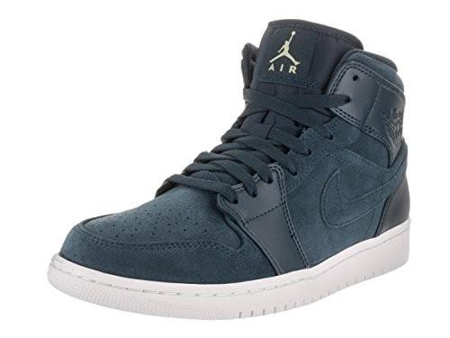 uk availability 4fbea a0e43 Nike Jordan Men s Air Jordan 1 Mid Basketball Shoe