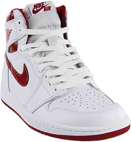 Nike Jordan Men s Air Jordan 1 Retro High OG Basketball Shoe 833be73ce9